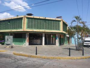 Local Comercial En Ventaen Valencia, Centro, Venezuela, VE RAH: 21-9003