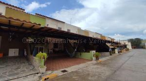 Townhouse En Ventaen Municipio San Diego, Sabana Del Medio, Venezuela, VE RAH: 21-9025