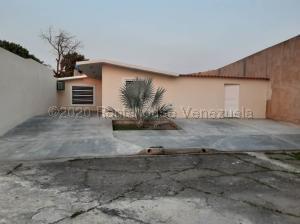 Casa En Ventaen Valencia, Flor Amarillo, Venezuela, VE RAH: 21-9440