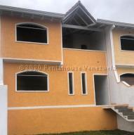 Townhouse En Ventaen Bailadores, Sector Chita, Venezuela, VE RAH: 21-9096