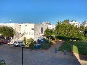 Apartamento En Ventaen Maracaibo, Avenida Goajira, Venezuela, VE RAH: 21-9098
