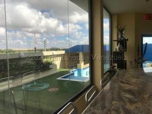 Casa En Ventaen Punto Fijo, Terrazas Club De Golf, Venezuela, VE RAH: 21-9113