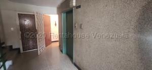 Apartamento En Ventaen Caracas, Palo Verde, Venezuela, VE RAH: 21-9193
