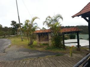 Terreno En Ventaen El Junquito-Vargas, La Niebla, Venezuela, VE RAH: 21-9184