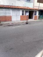 Local Comercial En Alquileren Caracas, Sabana Grande, Venezuela, VE RAH: 21-9211