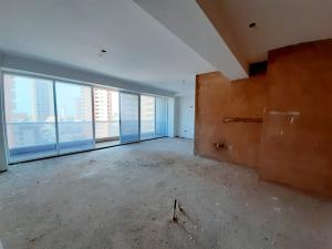 Apartamento En Ventaen Maracaibo, La Lago, Venezuela, VE RAH: 21-9255