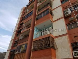 Apartamento En Ventaen Maracaibo, Las Delicias, Venezuela, VE RAH: 21-9257