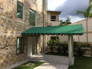 Apartamento En Ventaen Caracas, La Lagunita Country Club, Venezuela, VE RAH: 21-9285