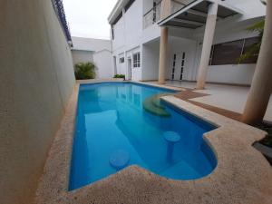 Casa En Ventaen Maracaibo, Avenida Baralt, Venezuela, VE RAH: 21-9287