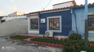 Casa En Ventaen Cabudare, Villa Roca, Venezuela, VE RAH: 21-9402