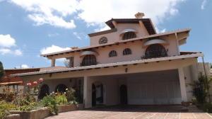 Casa En Ventaen San Antonio De Los Altos, Club De Campo, Venezuela, VE RAH: 21-9316