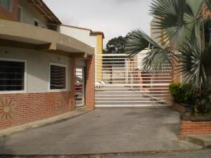 Apartamento En Ventaen Maracay, El Limon, Venezuela, VE RAH: 21-9322