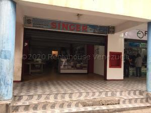 Local Comercial En Ventaen Caracas, Parroquia La Candelaria, Venezuela, VE RAH: 21-9353
