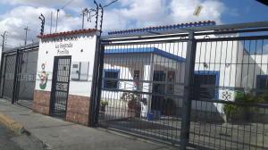 Consultorio Medico  En Ventaen Barquisimeto, Del Este, Venezuela, VE RAH: 21-9362