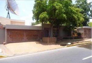 Casa En Ventaen Maracaibo, Avenida Baralt, Venezuela, VE RAH: 21-9373