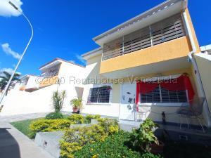 Townhouse En Ventaen Maracay, La Morita, Venezuela, VE RAH: 21-9371
