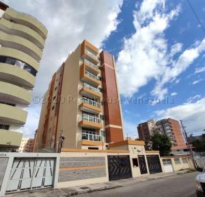 Apartamento En Ventaen Maracay, El Bosque, Venezuela, VE RAH: 21-9438