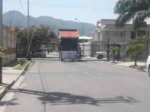Casa En Ventaen Municipio San Diego, Sansur, Venezuela, VE RAH: 21-9448