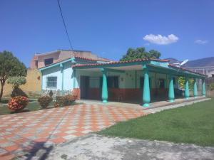 Casa En Ventaen Municipio San Diego, San Francisco De Cupira, Venezuela, VE RAH: 21-9452