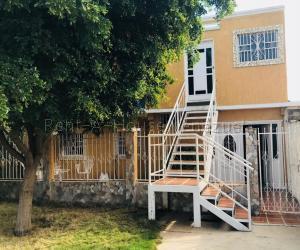 Casa En Ventaen Municipio San Francisco, San Francisco, Venezuela, VE RAH: 21-9487