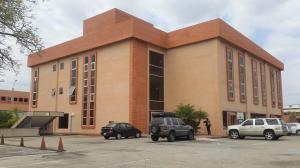 Local Comercial En Alquileren Valencia, Zona Industrial, Venezuela, VE RAH: 21-9462