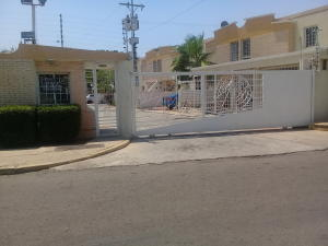 Townhouse En Ventaen Maracaibo, Amparo, Venezuela, VE RAH: 21-9480
