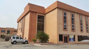 Oficina En Alquileren Valencia, Zona Industrial, Venezuela, VE RAH: 21-9471