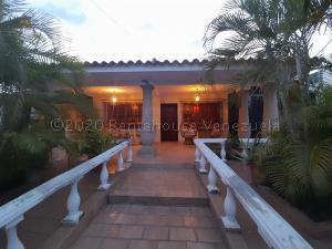 Casa En Ventaen Guacara, Ciudad Alianza, Venezuela, VE RAH: 21-9485