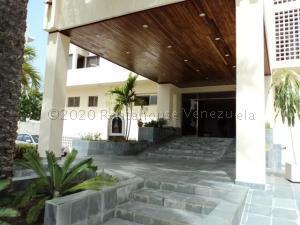 Apartamento En Ventaen Margarita, Costa Azul, Venezuela, VE RAH: 21-9556