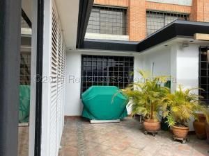 Apartamento En Ventaen Caracas, Valle Arriba, Venezuela, VE RAH: 21-9505