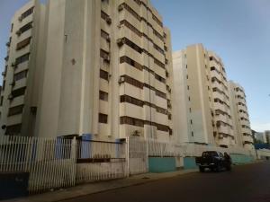 Apartamento En Ventaen Puerto La Cruz, Puerto La Cruz, Venezuela, VE RAH: 21-9531