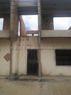 Edificio En Ventaen El Tigre, Pueblo Nuevo Sur, Venezuela, VE RAH: 21-9538