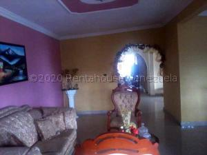 Casa En Ventaen Maturin, Altos De Los Gondos, Venezuela, VE RAH: 21-9543