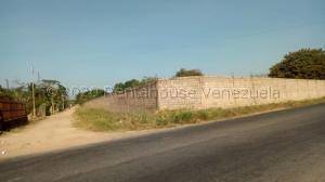 Terreno En Ventaen Municipio Libertador, Parroquia Tocuyito, Venezuela, VE RAH: 21-9643