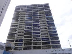 Apartamento En Ventaen Catia La Mar, Playa Grande, Venezuela, VE RAH: 21-9675