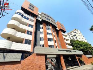 Apartamento En Ventaen Maracay, La Soledad, Venezuela, VE RAH: 21-9567