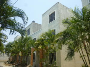 Casa En Ventaen Cabudare, Tarabana Plaza, Venezuela, VE RAH: 21-9580