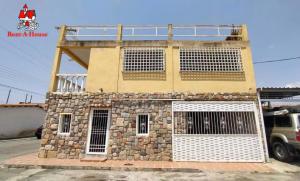 Casa En Ventaen Municipio Linares Alcantara, La Morita I, Venezuela, VE RAH: 21-9587