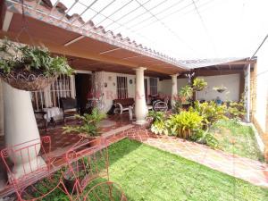 Casa En Ventaen Maracay, Los Samanes, Venezuela, VE RAH: 21-9590