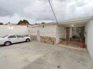 Casa En Ventaen Maracay, San Miguel, Venezuela, VE RAH: 21-9592