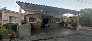 Casa En Ventaen Cabudare, Prados Del Golf, Venezuela, VE RAH: 21-9625