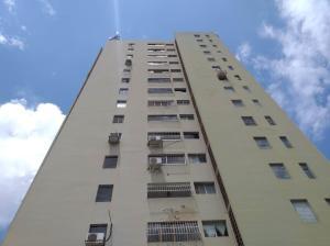 Apartamento En Ventaen Valencia, Trigal Norte, Venezuela, VE RAH: 21-9642