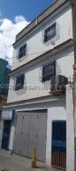 Edificio En Ventaen Caracas, San Martin, Venezuela, VE RAH: 21-9776