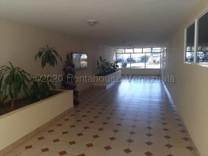 Apartamento En Ventaen Margarita, Avenida 4 De Mayo, Venezuela, VE RAH: 21-9661