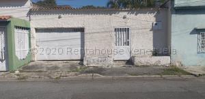Casa En Ventaen Maracay, La Coromoto, Venezuela, VE RAH: 21-9670