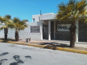 Townhouse En Ventaen Margarita, Maneiro, Venezuela, VE RAH: 21-9682