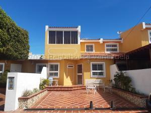 Townhouse En Ventaen Maracaibo, Santa Fe, Venezuela, VE RAH: 21-9671