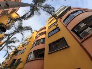 Apartamento En Ventaen Municipio San Diego, Poblado De San Diego, Venezuela, VE RAH: 21-9702