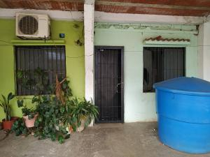 Casa En Ventaen Valencia, Parque Florida, Venezuela, VE RAH: 21-9703