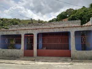 Casa En Ventaen Valencia, La Florida, Venezuela, VE RAH: 21-9706
